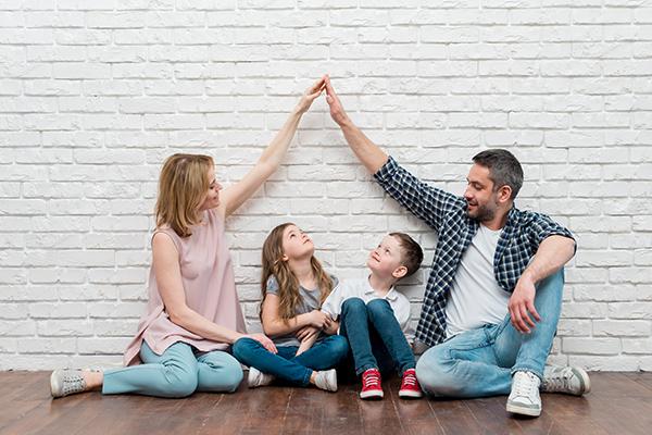 Isolamento em Família: Manual de reinvenção familiar precisa-se… ou constrói-se?